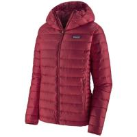 Women's active outdoor synthetic and down jackets, vests.  Goose down, synthetic insulation.  Midlayer, outerlayer.  Camping, Hiking and Travel.  The North Face, Patagonia.